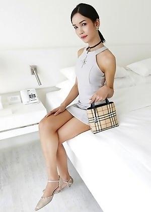 Sexy Singaporean babes